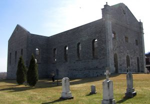 1280px-Ruins_of_St._Raphael's_Church,_South_Glengarry,_Ontario